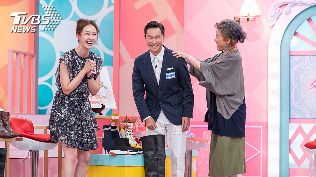 《女人我最大》主持人藍心湄稱讚謝祖武變年輕。圖/TVBS 不老男神謝祖武凍齡有成  藍心湄:不簡單