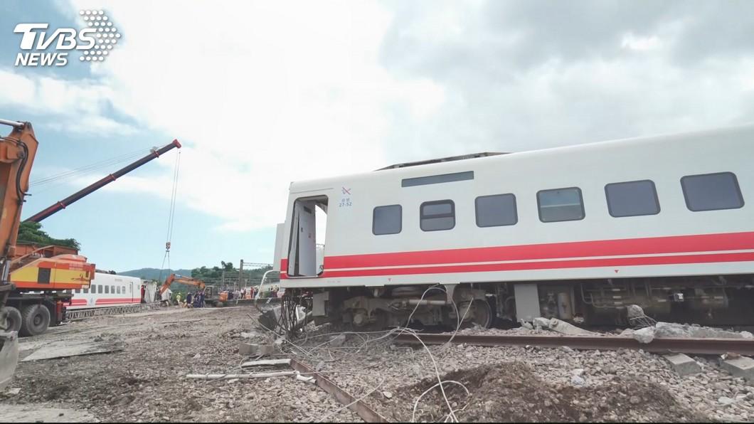 圖/TVBS資料畫面 普悠瑪翻車滿月 傳健保署擬對台鐵「代位求償」千萬