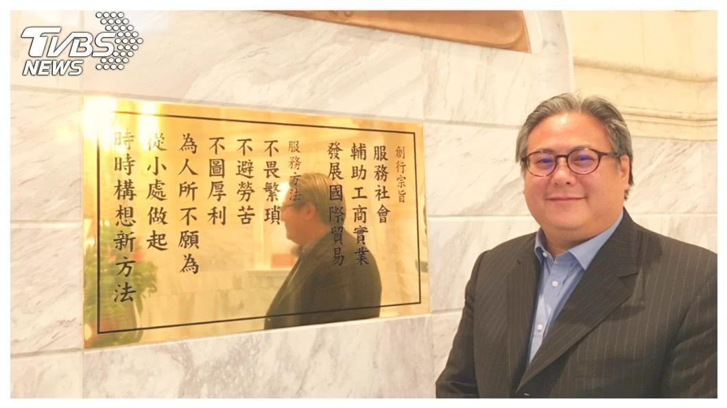 深受爺爺上海商銀董事長榮鴻慶栽培、被外界視為榮家接班人的榮康信(如圖)表示,在金融平台上導入IT、Fintech、AI和區塊鏈等高新科技,一直都是上海商銀的致力發展的目標。     圖/TVBS