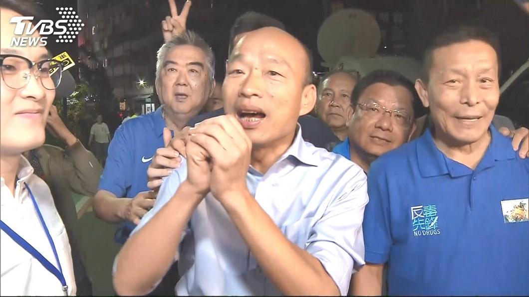 圖/TVBS資料畫面 掛韓國瑜看板被嗆撤下 霸氣北漂老闆:不租了