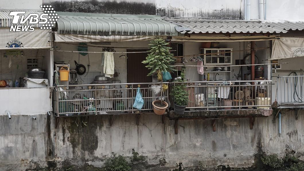 圖為TVBS示意圖,非案發公寓。圖/TVBS 與母失聯1年…兒報案破門驚見腐爛白骨