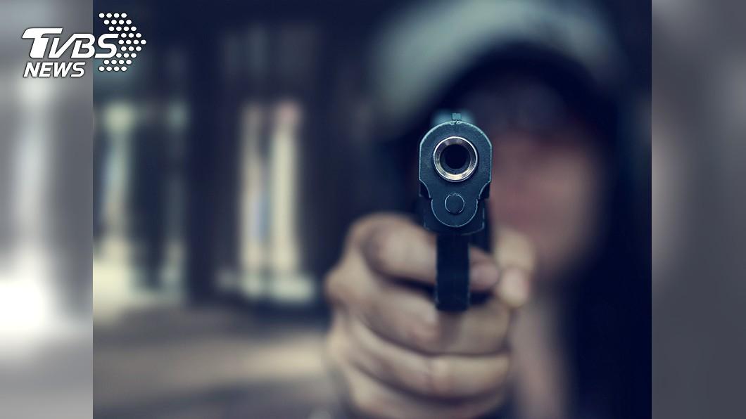 示意圖。圖/TVBS 丈夫偷訂閱色情頻道 妻氣炸開槍擊斃他