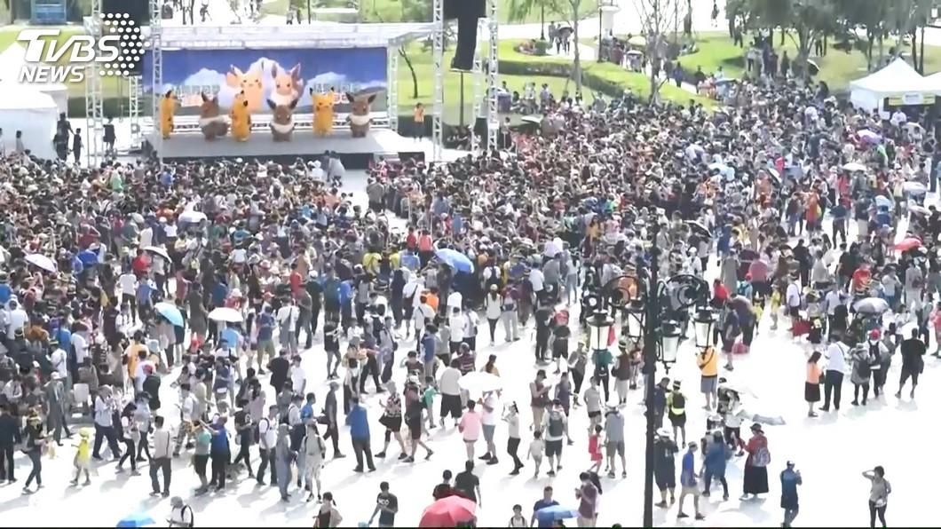 寶可夢結合城市行銷,台南市5天湧入百萬人次的人潮抓寶。(圖/TVBS) 15億商機!百萬人到台南「抓寶」 全球第二僅次橫濱