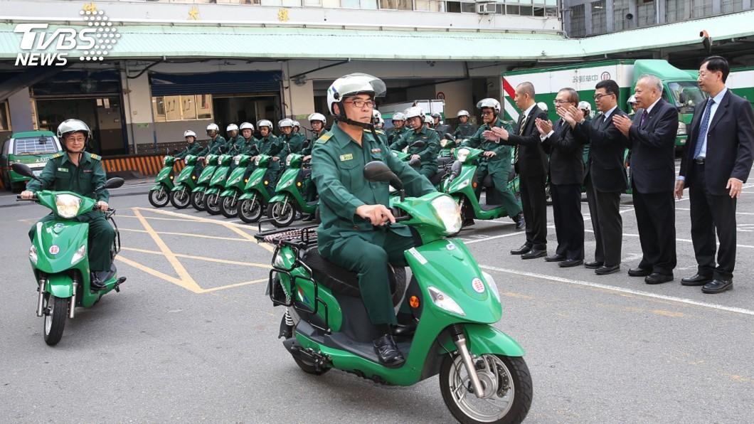 圖/中央社 年逾500件交通事故 中華郵政開辦道安訓練