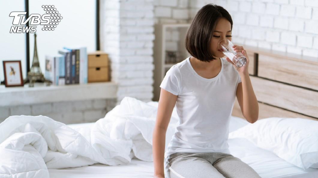 示意圖/TVBS 1月減5公斤!網瘋「8杯水減肥法」 這3種人不適用
