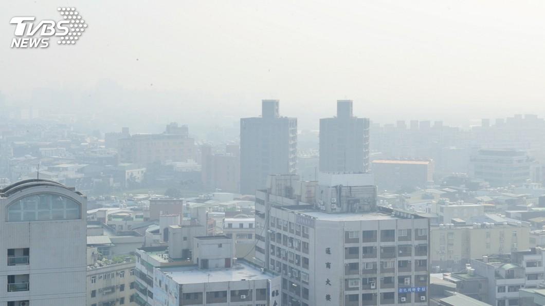 示意圖/中央社 口罩戴好!吹西南風 北部位下風處易累積污染物