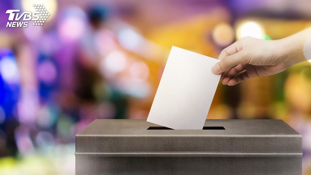 投票示意圖。圖/TVBS 支持返鄉投票!這間公司霸氣宣布投票前1天放假