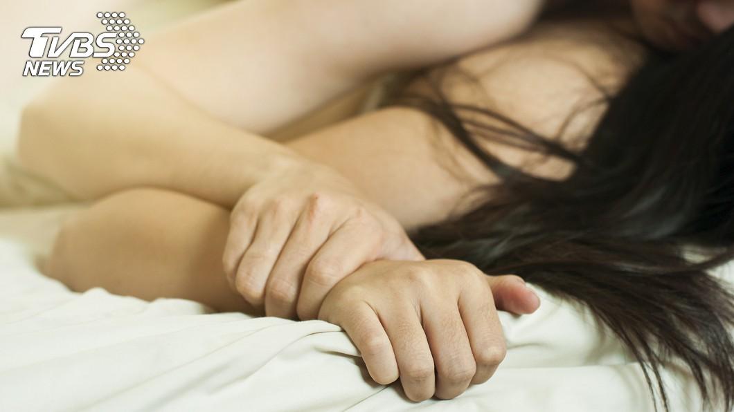示意圖/TVBS 太激烈!男友換個姿勢…她痛到不能站急送醫