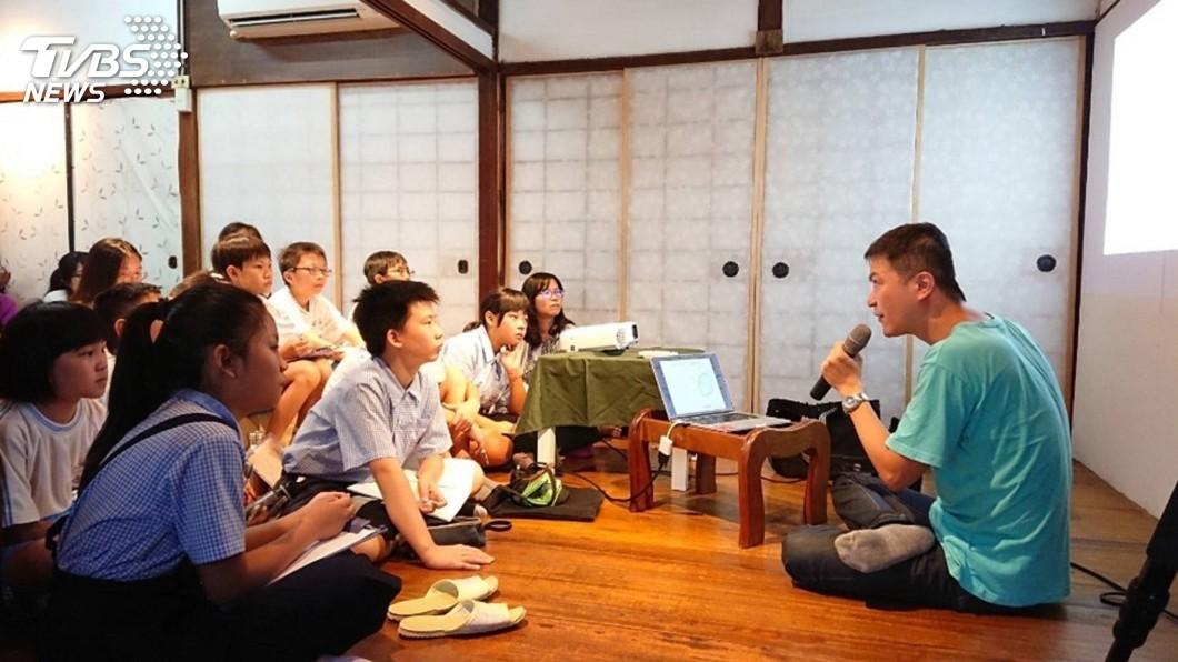 圖/中央社 青年著手改造彰化百年官舍 打造在地文化空間