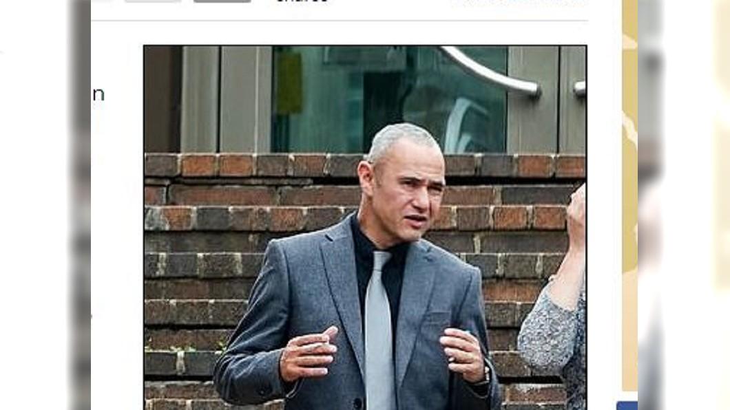 男子不爽鄰居砍死他愛犬後不被起訴,猛踹對方被判刑5年。圖/翻攝自Daily Mail網站 愛犬攻擊鄰居狗遭砍兩半 男子報仇猛踹對方