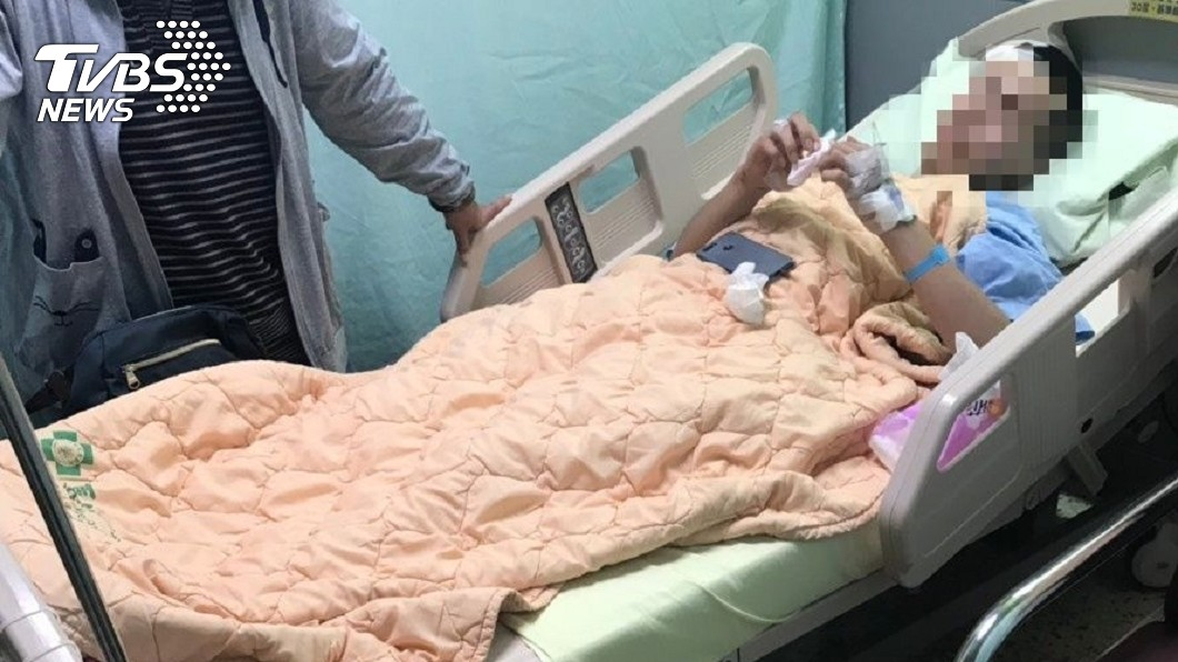經追查後發現,無照駕駛的黃姓少年,因自撞護欄而摔斷腿,警方循線逮人。圖/TVBS