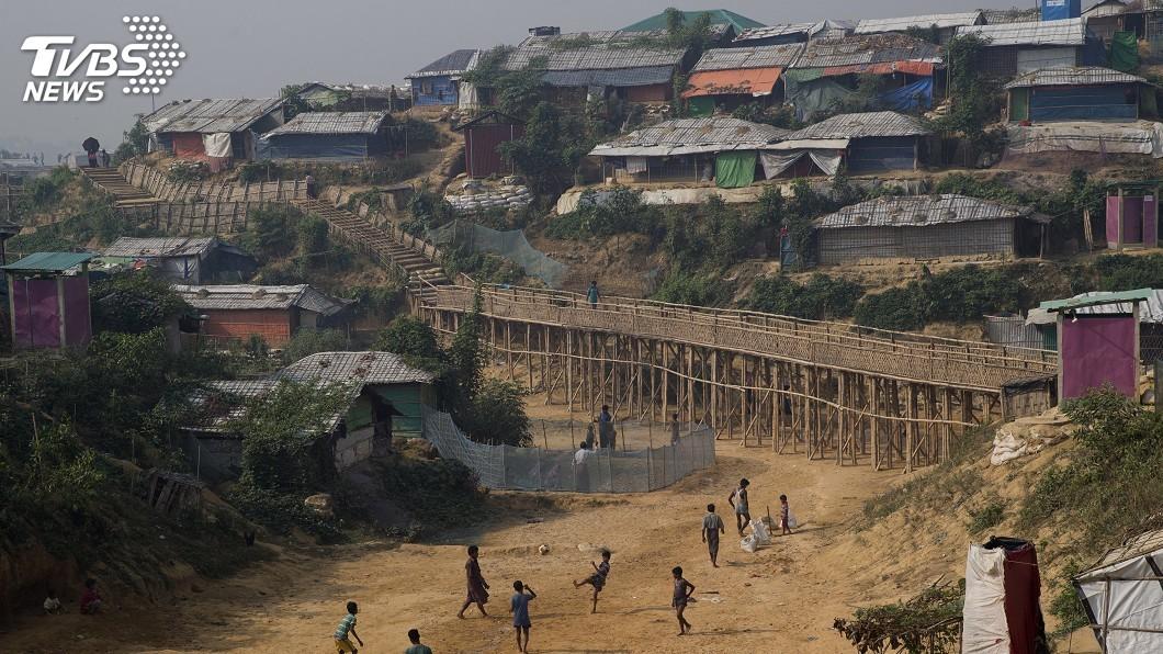 圖/達志影像美聯社 緬甸洛興雅難民遭槍傷 聯合國呼籲冷靜