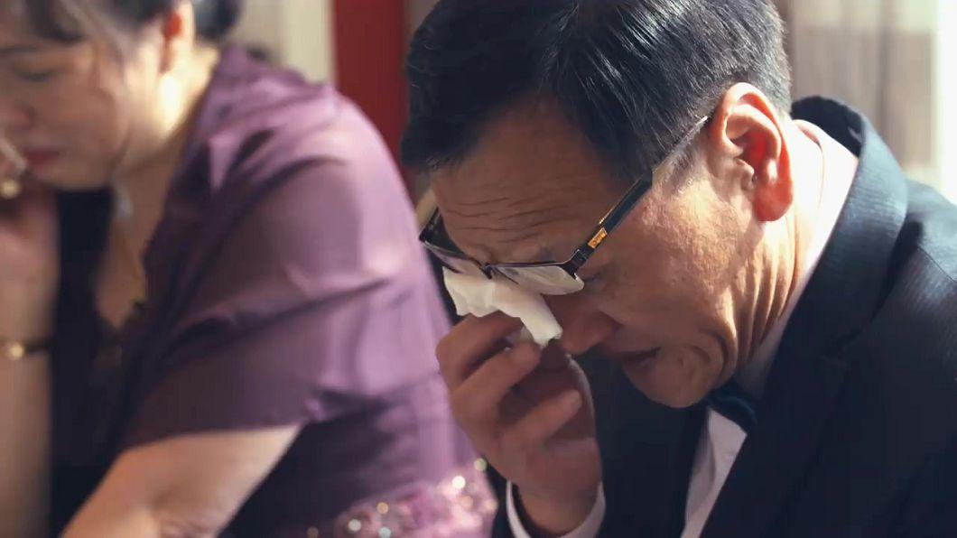 圖/Map攝影婚攝影像團隊授權提供 「我要跟妳分手」 女兒出嫁爸含淚:去做他的牽手…