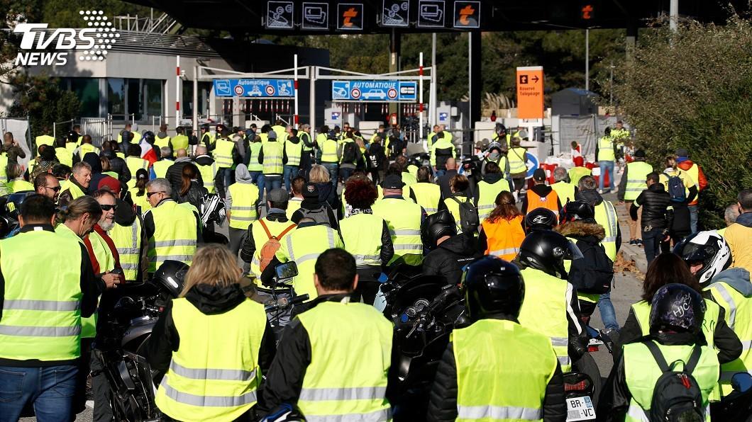 圖/達志影像路透社 法國示威差點釀禍 男子攜爆裂物要見馬克宏