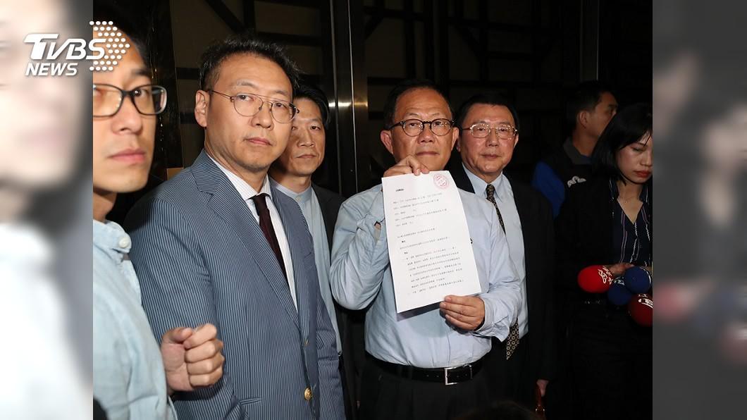 國民黨台北市長丁守中以3254票敗選,25日凌晨向台北地院提出選舉無效之訴。(圖/中央社,TVBS) 丁守中提「選舉無效」之訴 如何驗票一張圖讓你看懂