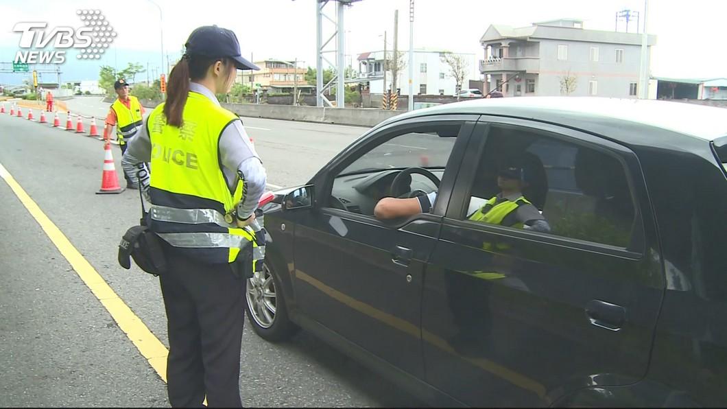 示意圖/TVBS 108年多項交通新措施 檢舉違規實名制