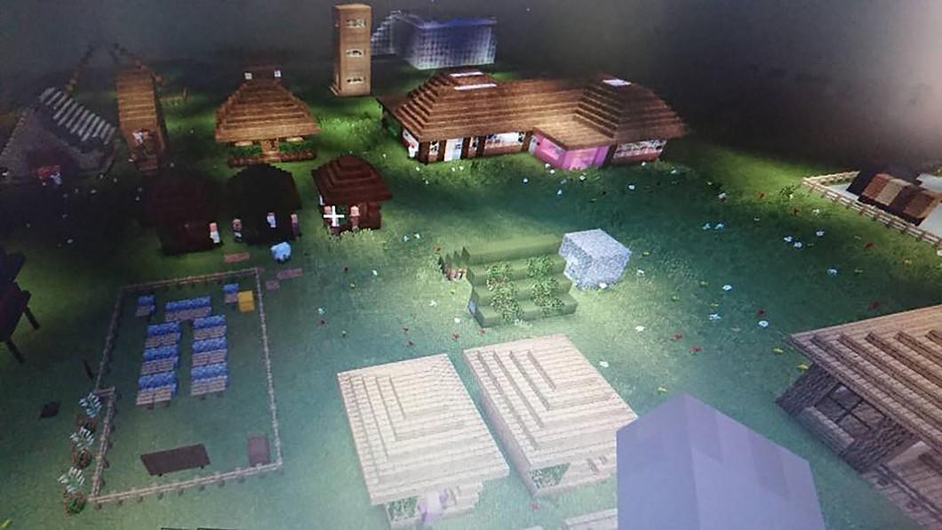 圖/石門國小提供 排灣族學童用程式蓋部落 打敗都市學校