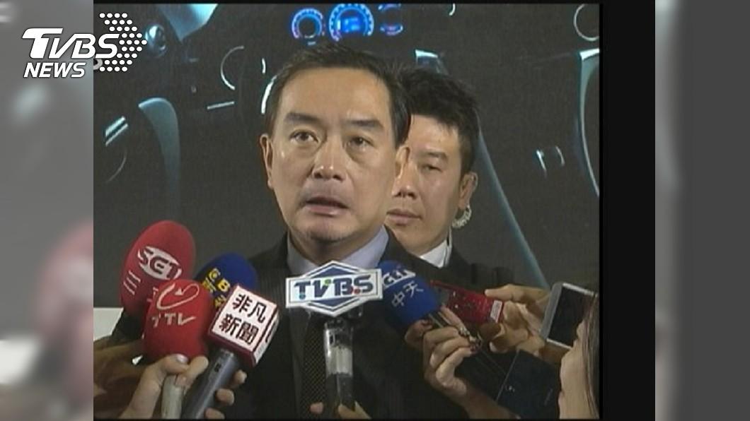 圖/TVBS資料畫面 嚴凱泰愛車成癮 病後體悟人生「菩薩要你走你也活不了」