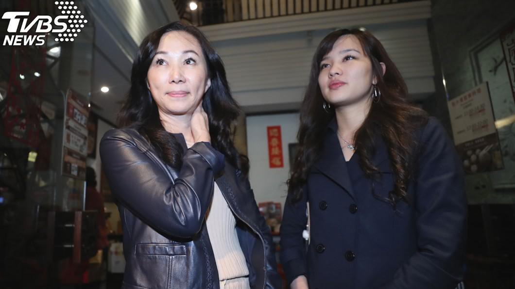 李佳芬(圖左)和女兒韓冰。(圖/中央社)