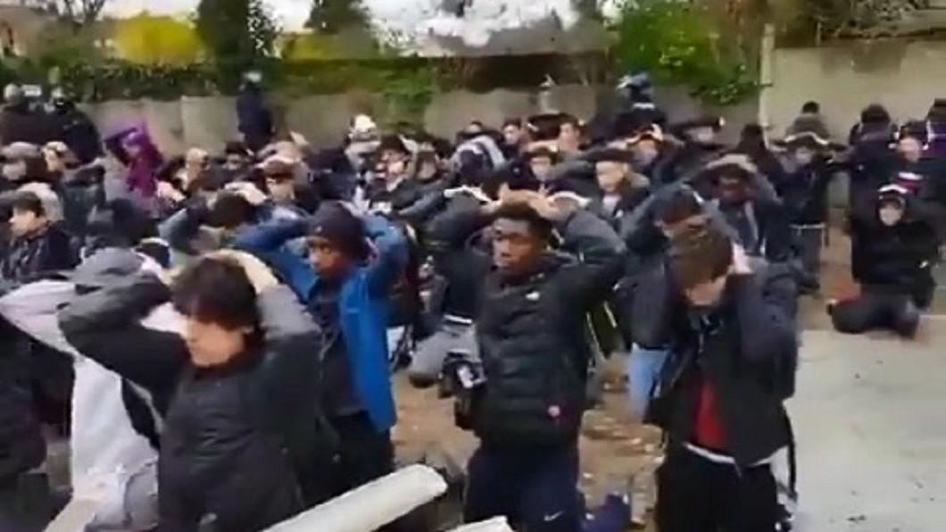 圖/翻攝自Violences Policières推特