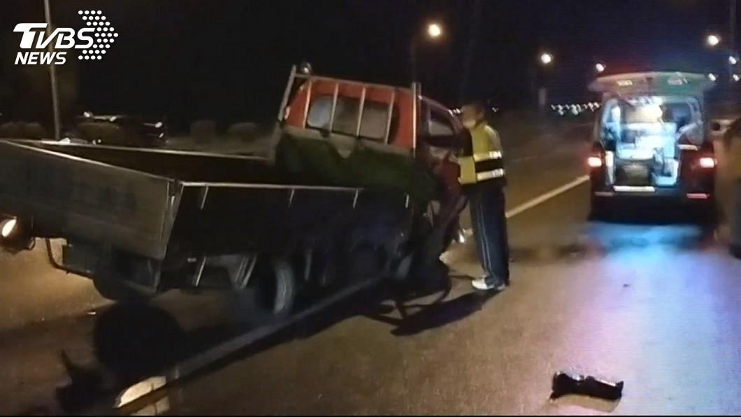 圖/TVBS 超太急!無照男擦撞貨車 少年、女童噴摔死
