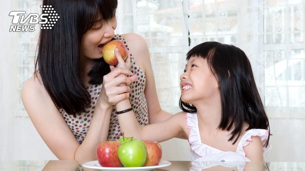 示意圖/TVBS 飯後馬上吃水果如慢性自殺!這「時間點」吃最抗癌