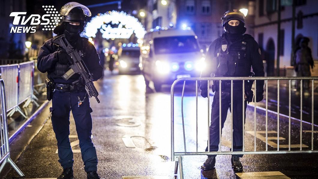 圖/達志影像美聯社 恐怖槍聲10分鐘!法國耶誕市集2死 警方掌握歹徒身分