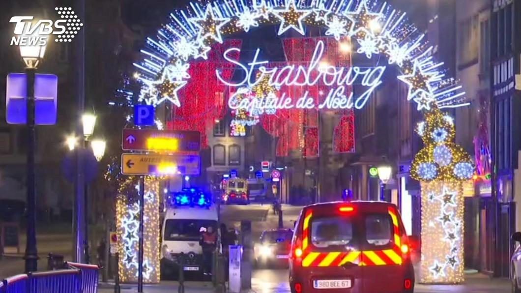 圖/達志影像美聯社 法國耶誕市集槍擊案2死12傷 凶嫌仍在逃