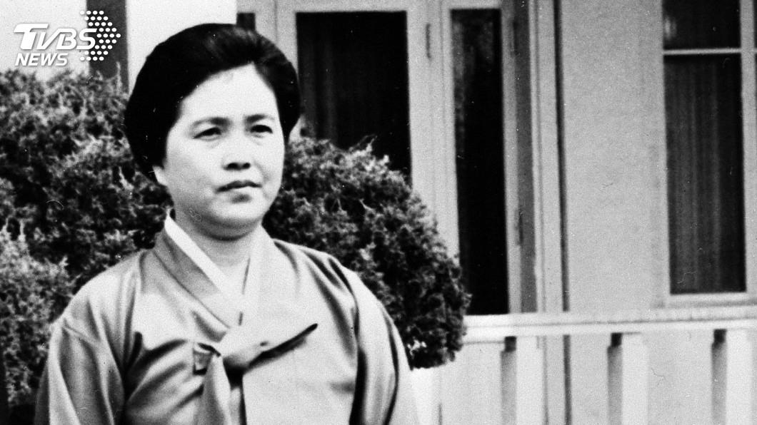 圖/達志影像美聯社 北韓前領導人金日成夫人金聖愛去世