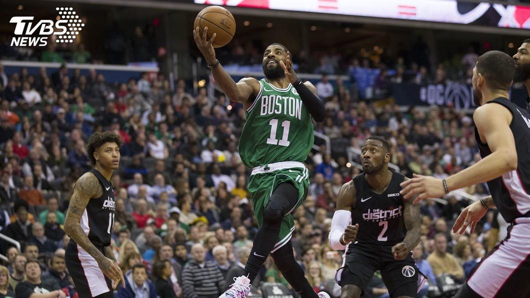 圖/達志影像美聯社 厄文延長賽連得12分 NBA塞爾蒂克扳倒巫師