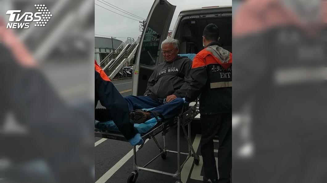 圖/TVBS 公車急煞輪椅翻覆 范可欽肋骨斷3根留院觀察