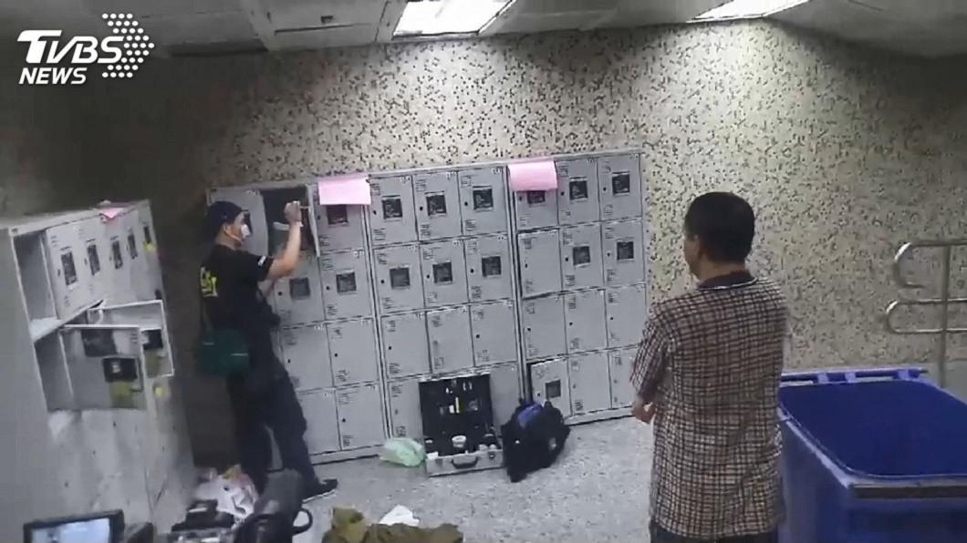 圖/TVBS 藏了1年!士林夜市置物櫃赫見手槍 嫌犯抓到了
