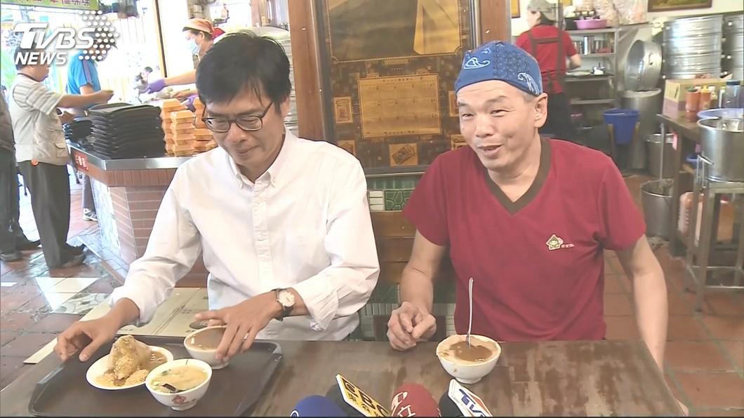 昔日邁粉郭家肉粽,如今改口讚韓國瑜「會做事」。圖/TVBS資料畫面 跑票!昔邁粉「郭家肉粽」服了韓國瑜:挺會做事的人