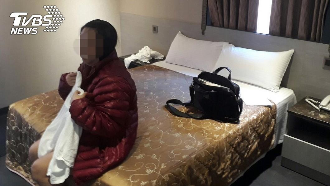 圖/新莊分局提供 大逆轉!警找到賣淫孕婦 驚曝:沒懷孕「單純肚子大」