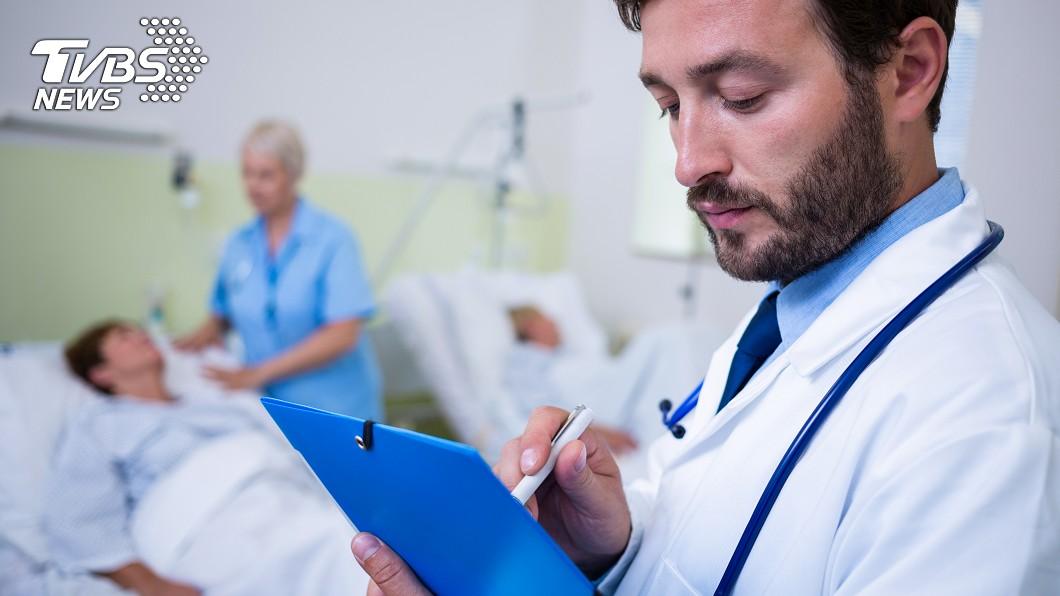 許多人都害怕罹癌,但目前並沒有研究顯示「早做篩檢」能降低死亡率。示意圖/TVBS 7種防癌錯誤觀念! 快來看看你是否有這些迷思