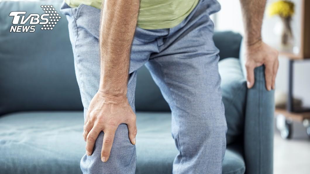 缺鈣可能導致骨質疏鬆症。示意圖/TVBS 不只抽筋!有這10種症狀 暗示你要補「鈣」了