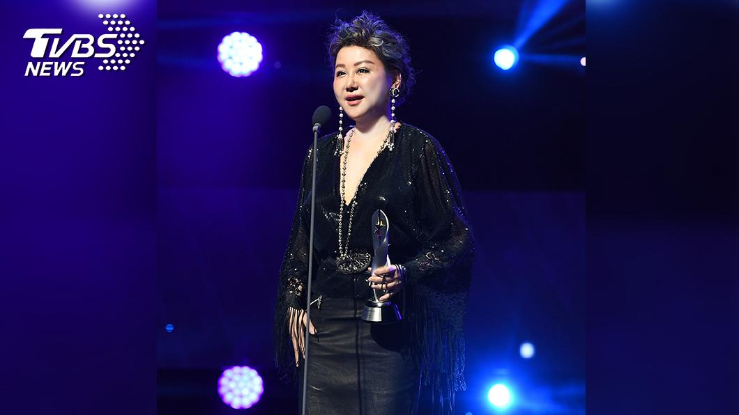 藍心湄獲頒最佳主持人獎。(圖/TVBS) 藍心湄主持星版《女人我最大》獲《最佳主持人獎》