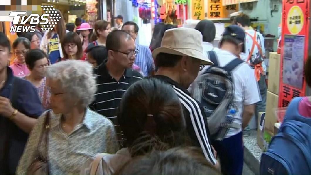 傳百名越南旅客來台觀光,卻在中途逃逸無蹤。資料畫面/TVBS 153團客只剩1人!越南客新南向來台 一下車就都脫逃