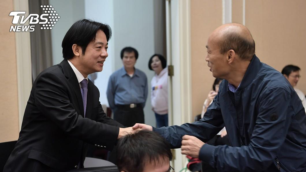 圖/中央社 「這麼老第一次參加行政院會」 韓國瑜搞笑逗樂全場人