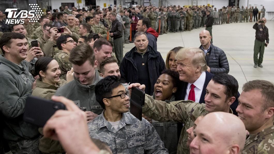 圖/達志影像美聯社 川普稱讓美軍10年來首加薪 CNN:又亂講了