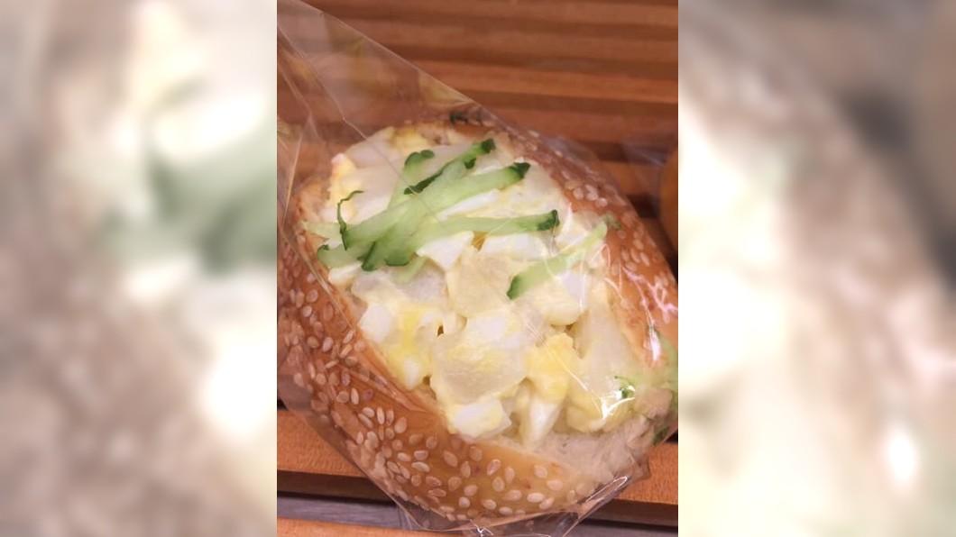 翻攝/爆怨公社 「我胃壯」客買沙拉麵包堅持不冰!腹瀉竟告上衛生局