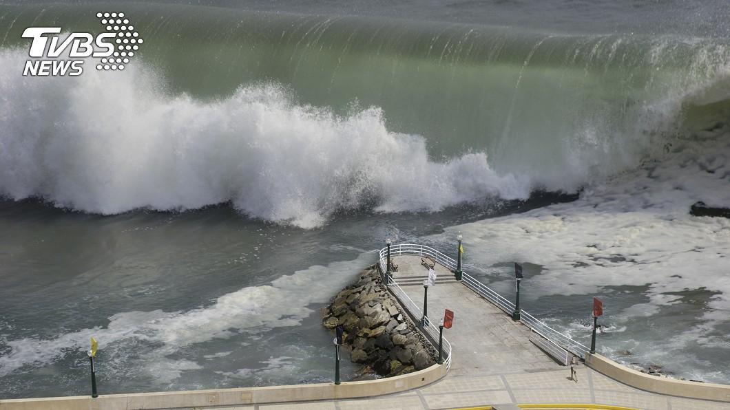 示意圖/TVBS 退愈多浪愈大...海邊見「這現象」就該快閃保命