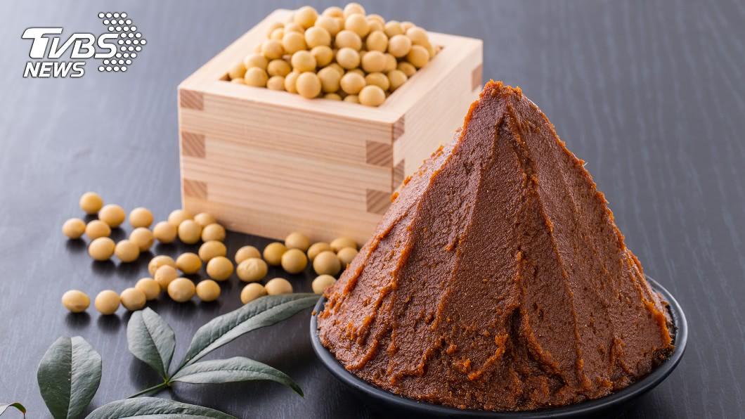 「味噌湯減肥法」不但有利排便順暢,還能預防婦科常見癌症。示意圖/TVBS