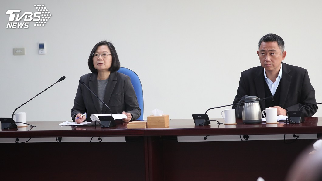 圖/中央社 總統視察金門非洲豬瘟防疫 火速公布修法條文