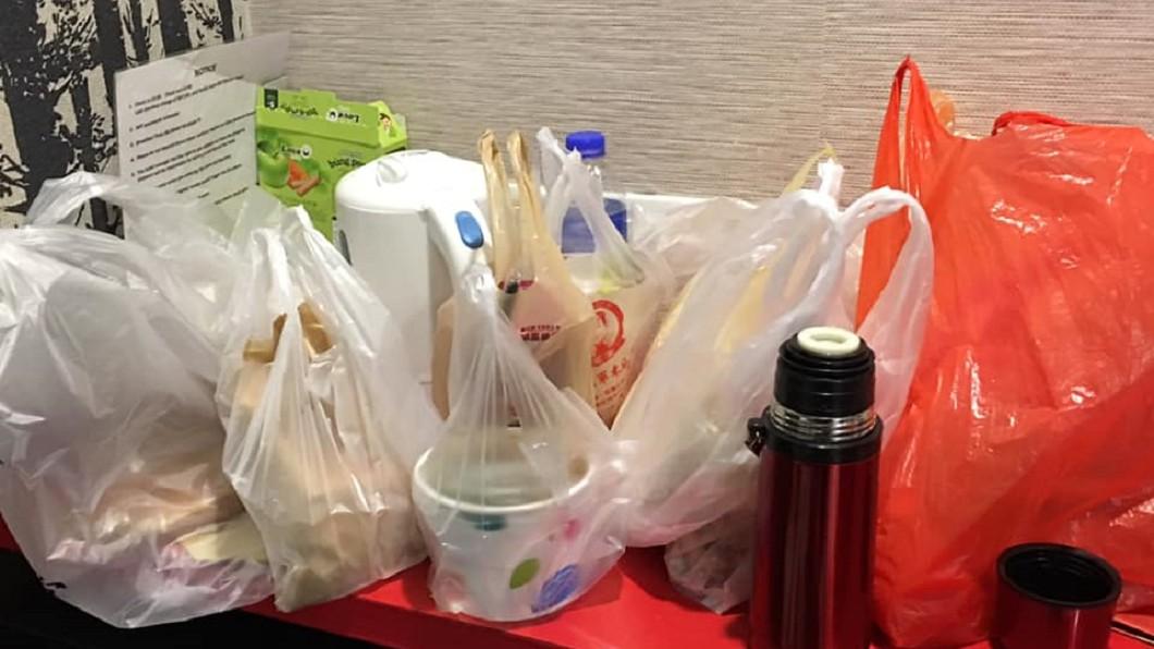 一名香港旅客因為台灣夜市東西太好吃,每晚花上2000元。圖/翻攝自爆怨公社臉書 每晚噴2千元!港女怨「夜市太好吃」 來台5天胖5公斤