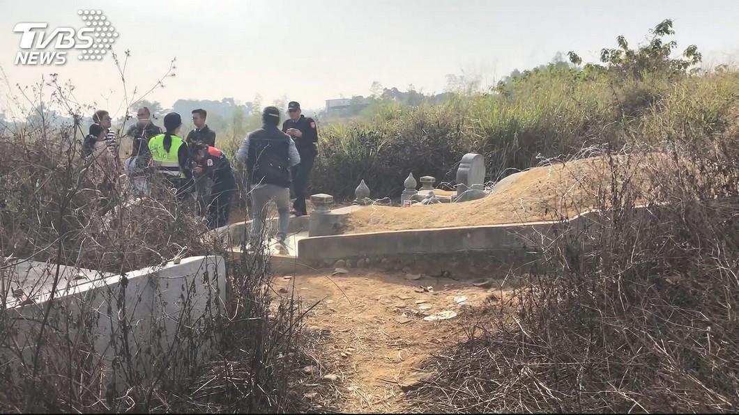 圖/TVBS 921救難英雄遭擄7天 棄屍公墓「蒼蠅群飛」顯靈申冤