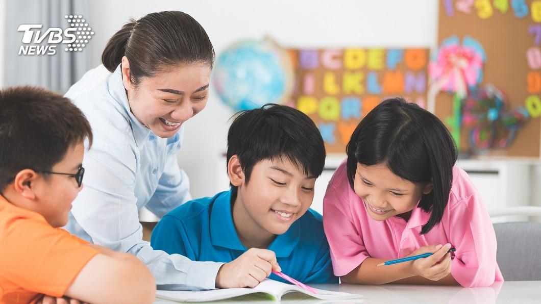 不少家長都會送小孩到安親班。(示意圖/TVBS) 小四女小考不好 安親班老師要她「自賞200巴掌」
