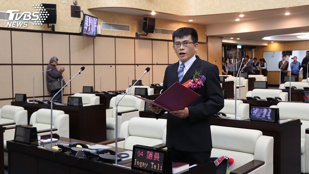 圖/中央社 台南市議員當選人穎艾達利 補宣誓就職