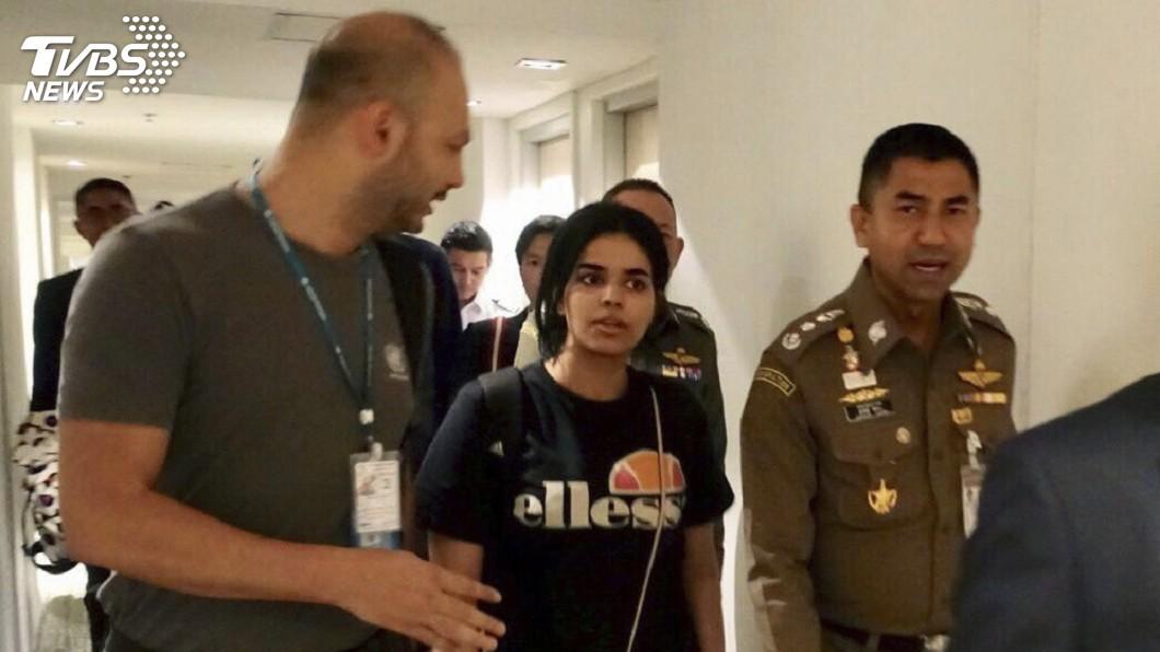 圖/達志影像美聯社 18歲沙烏地女子稱遭虐待 澳洲考慮給予庇護