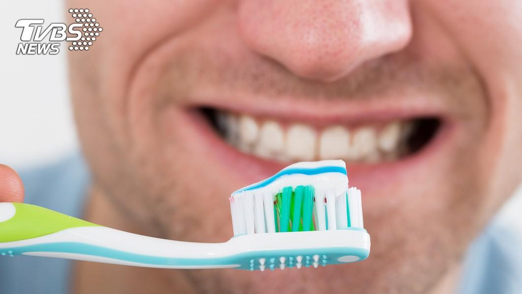 患牙周病的男性,不舉的風險是正常人的2.85倍。示意圖/TVBS